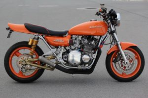 Kawasaki KZ900 DOHC 1975 orange
