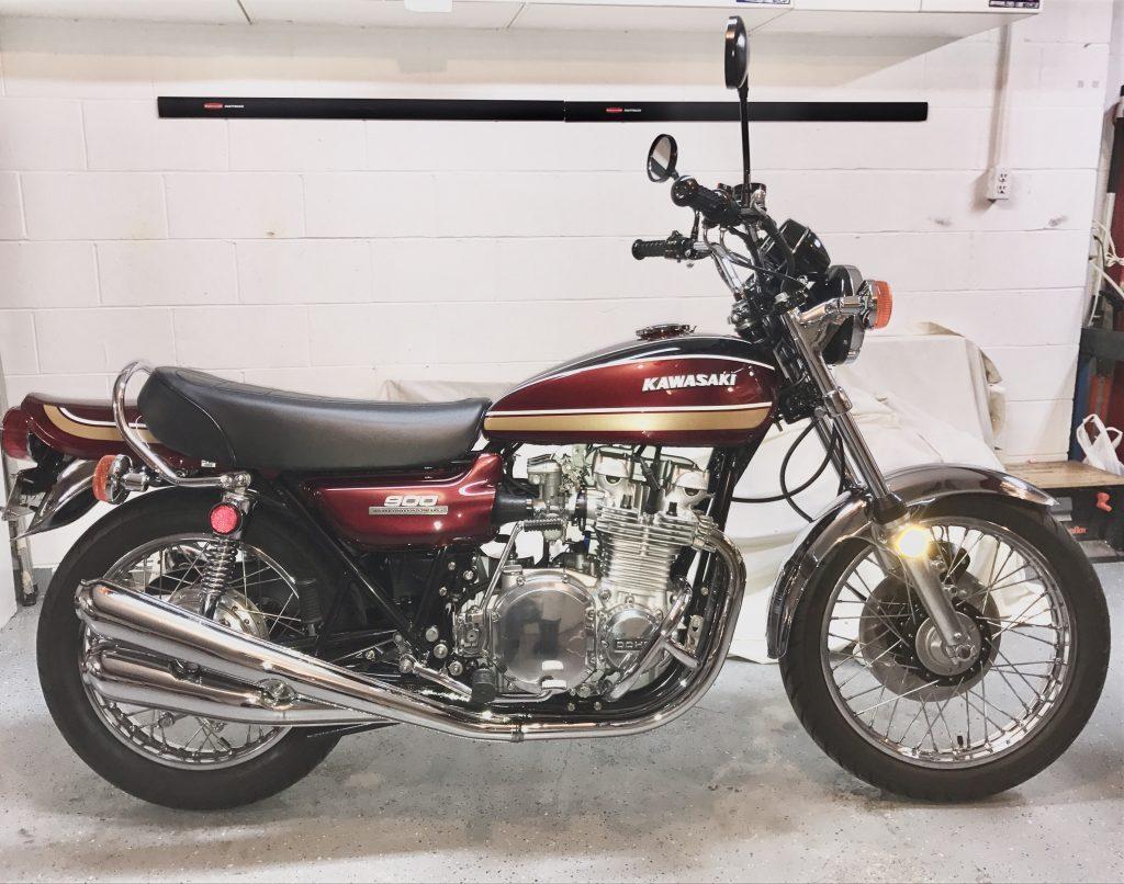 Kawasaki Z1B 1975 maroon gold Kevin R